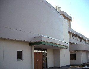 坂戸サークルホーム コミュニケーション棟玄関